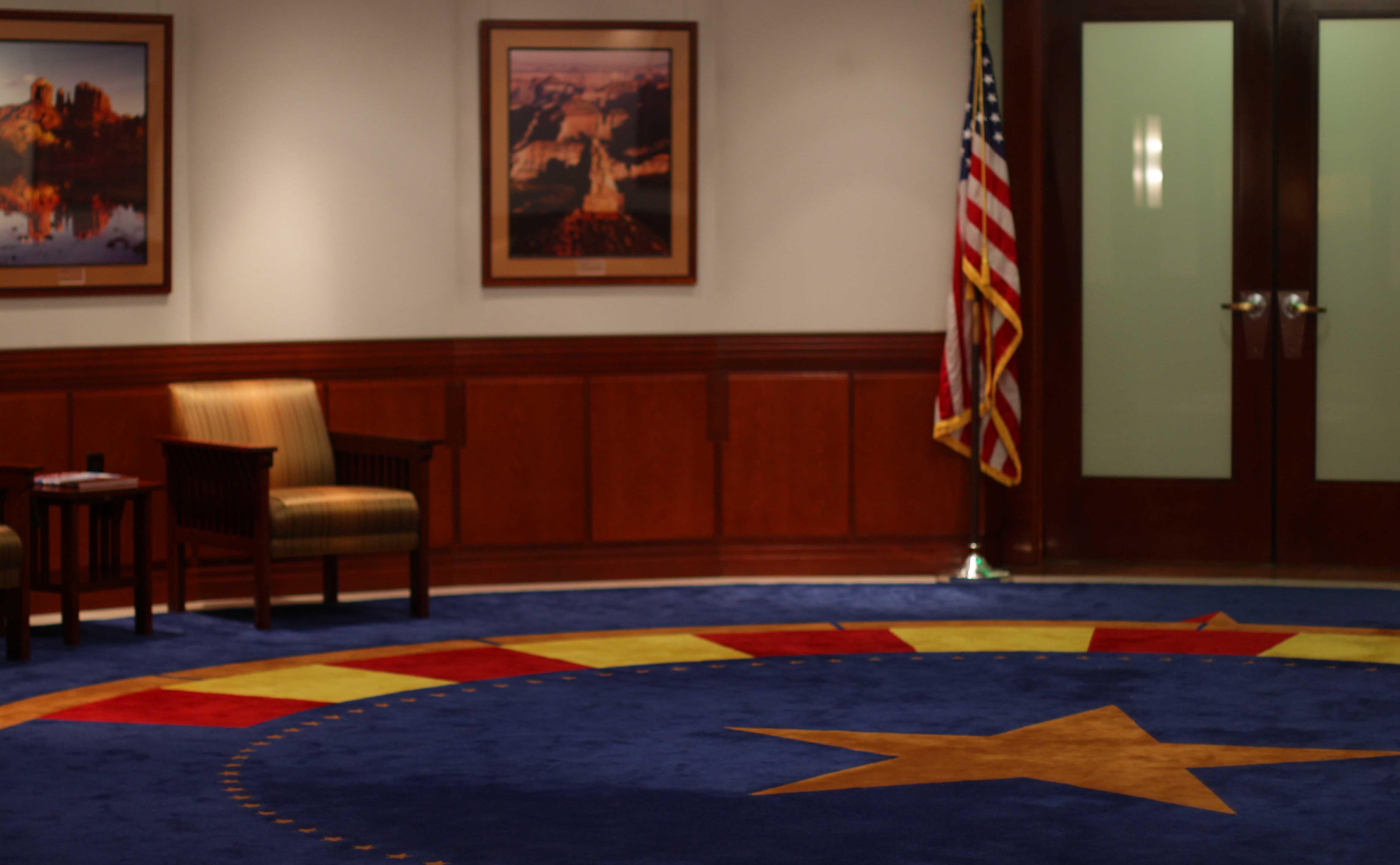 governor announces senior staff changes